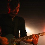 Robert an der Gitarre - Foto by Benjamin Schieck